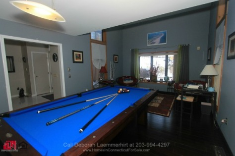 2-Laurelwood-Dr-New-Fairfield-06812-Article-03